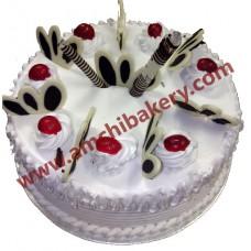 Vanilla with choco garnish cake